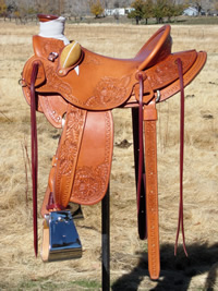 Stamped Saddles with Half Double Sirrup Leathers : Image 7