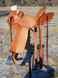 Stamped Saddles with Half Double Sirrup Leathers : Image 8